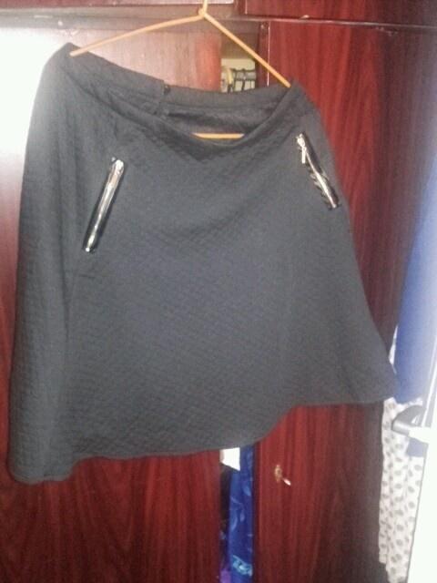 Spódnice Nowa spodniczka z zamkami