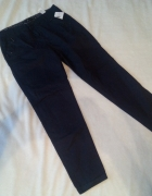Granatowe spodnie z materiału Reserved Nowe