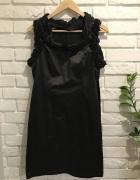 Czekoladowa sukienka z falbanką