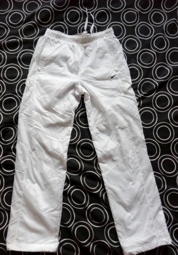 Spodnie Spodnie Nike