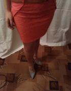Malinowa spódnica