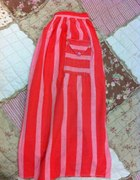 Czerwona ręcznie szyta spódnica vintage