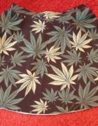 Czarna spódniczka rozkloszowana marihuana