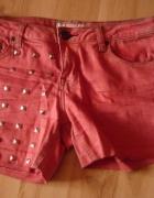 Czerwone szorty jeans spodenki z ćwiekami