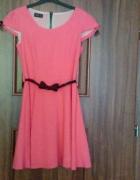 Słodka różowa sukienka