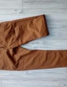 Spodnie rude materiałowe