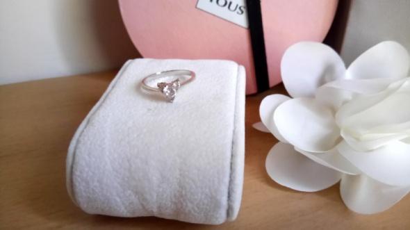 Pierścionki Minimalistyczny srebrny pierścionek z cyrkoniami