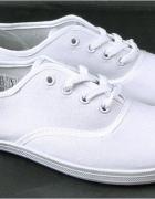 Nowe białe tenisówki 39