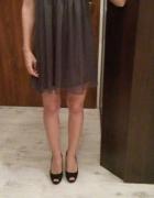 Szara delikatna sukienka