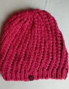 Różowa czapka beanie zimowa oversize