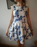 Sukienka biała niebieskie kwiatki wesele komunia