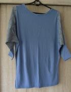 Bluzeczka z koronkowymi rękawami