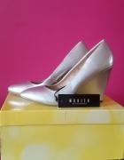 Nowe buty firmy MOHITO...