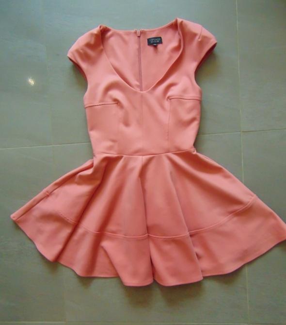 Suknie i sukienki Różowa rozkloszowana sukienka topshop