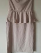 Sukienka z baskinką pudrowy róż L XL