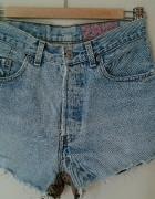 krótkie jeansowe spodenki wysoki stan
