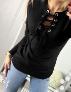 Czarny sweter wiązany dekolt