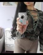 Moro lace up choker BLUZKA