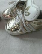 złote niechodki Adidas