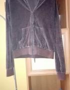 brązowa bluza z kapturem