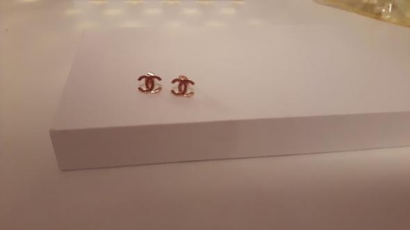 Kolczyki nowe kolczyki złote chanel napis