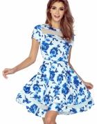 jokastyl Sukienka biała w niebieskie kwiatki