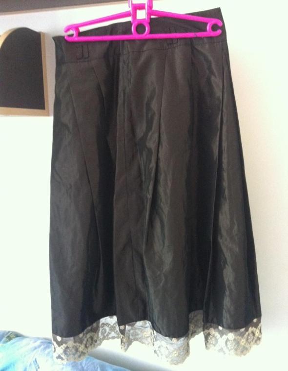 Spódnice Zara spódnica długa khaki ciemna S sztywna koronka