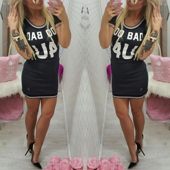 Codzienne prążkowana sukienka bejsbol grafit