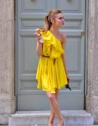 żółta sukienka falbanka na ramię Asos Tusk falbank