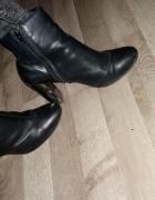 Czarne botki srebrny obcas...