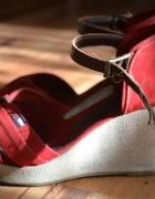 sandały na koturnie 38