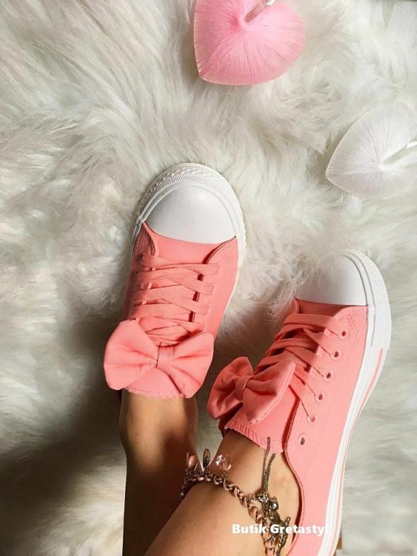 Rózowe Trampki z kokardą Baby Pink rozmiar 38 w Trampki