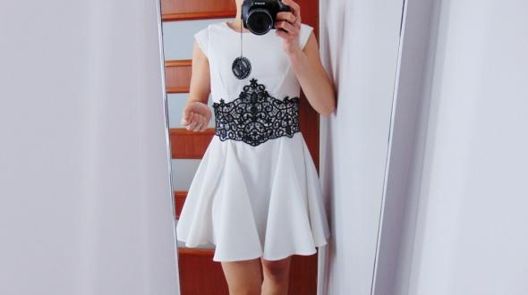 Suknie i sukienki River Island piękna biała sukienka gipura koronka