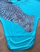 Miętowa bluzka z motywem zwierzęcym