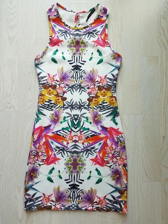 Suknie i sukienki Obcisła sukienka w kwiaty 34 36 Atmosphere