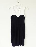 sukienka czarna biała elegancka mała dekolt serce...