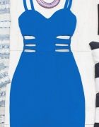 Sukienka z wycięciami po bokach chabrowa vubu