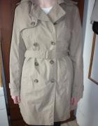 Wiosenny damski młodzieżowy płaszcz