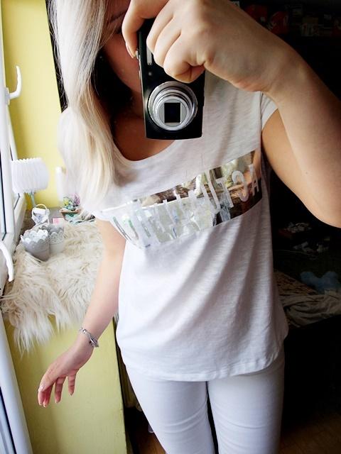Bluzki Biała koszulka srebrny napis