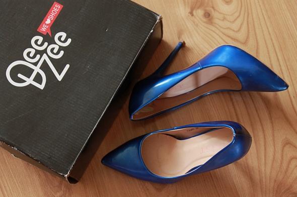 Szpilki Lakierowane szpilki niebieskie bardzo eleganckie