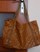 Duza torba camelowa łańcuchy