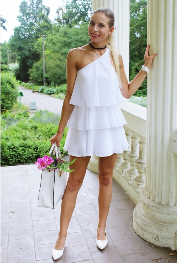 White total look...