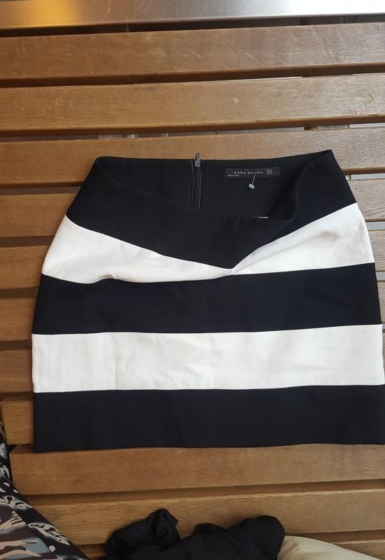 Spódnice Spódnica Zara w paski biało czarna s
