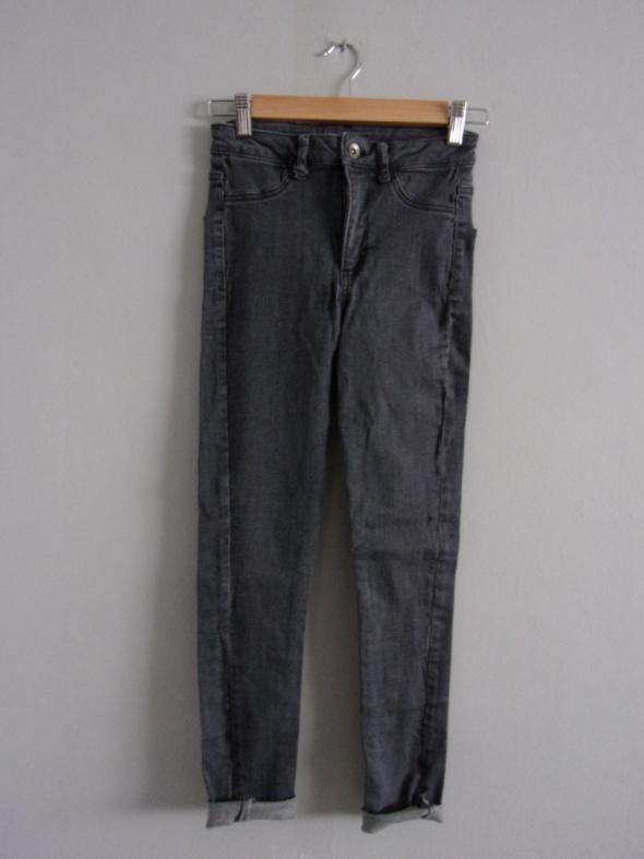 Spodnie dopasowane rurki calzedonia S