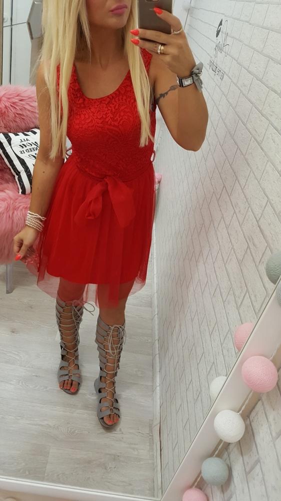 Mój styl beauty red cudowna czerwona sukienka z tiulem