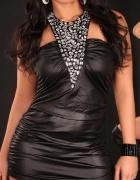 Czarna sukienka z kamieniami