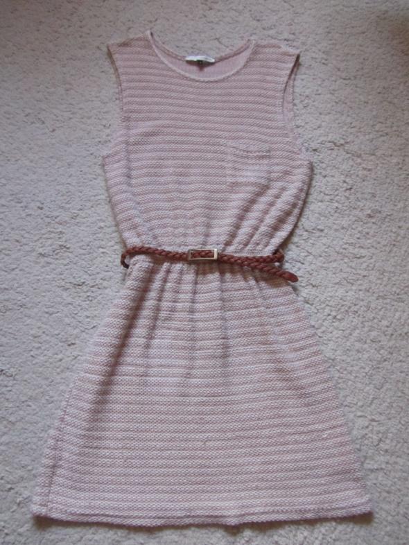 Suknie i sukienki dzianinowa sukienka z paseczkiem
