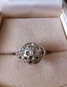 piękny pierścionek srebro z próbą cyrkonie