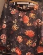 Kwiecista spódnica z klosza