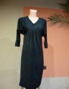 Czarna sukienka ozdabiana nietoperz